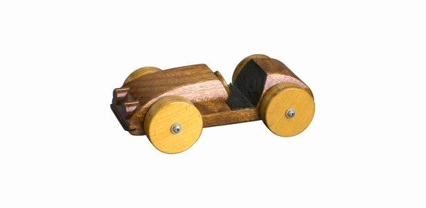 Aerodynamic Design for Pinewood Derby Car