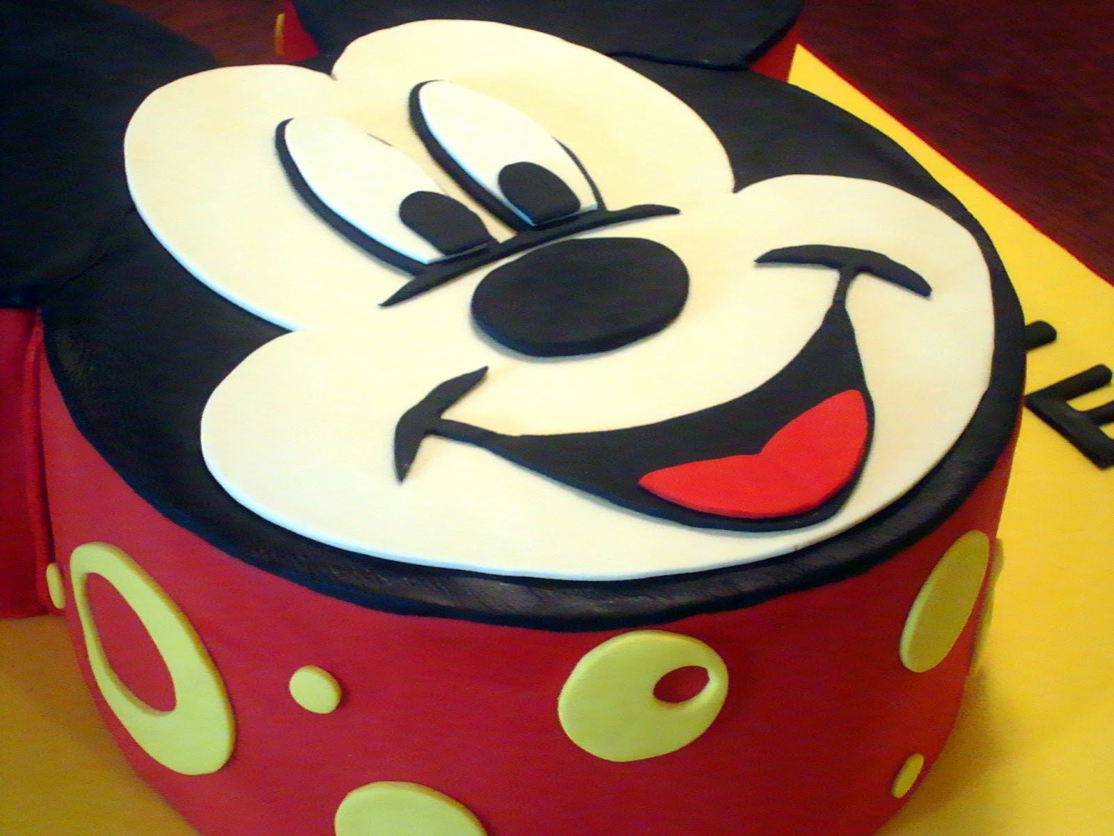 post mickey mouse cake template
