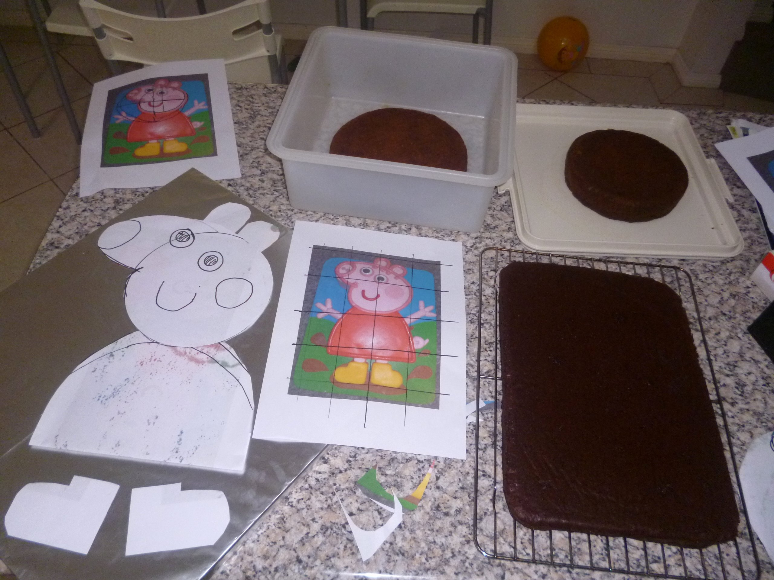 How to Make A Peppa Pig Cake