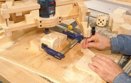 Making Wooden Dice with the Pantograph