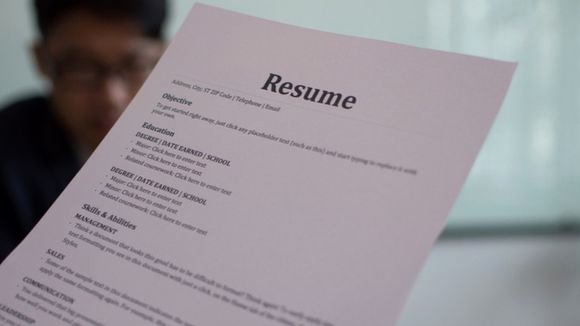 What is the Difference Between A Resume and A Curriculum